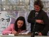 natalia_carou_firmando_exemplares_alento_costas_baia_edicions